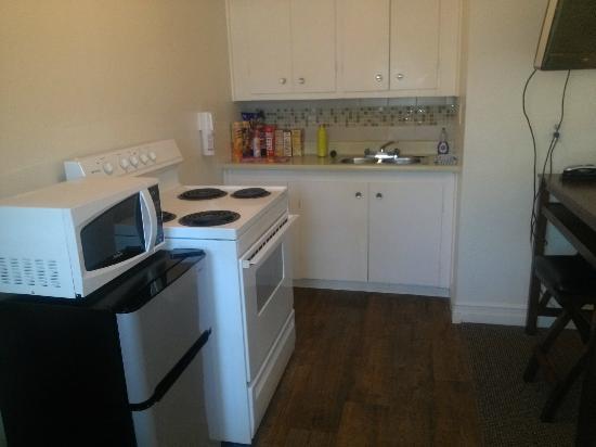 K2 Inn: kitchen 