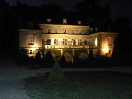 Chateau de La Plante: Chateau in the evening