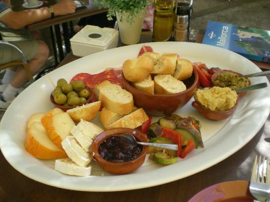 Manzanas y Peras: piatto della casa