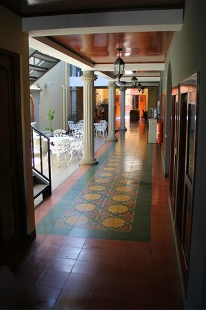 BEST WESTERN Las Mercedes Leon: A view of the interior