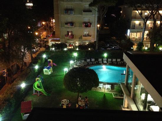 Hotel 2000: di sera