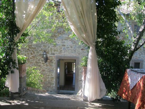 Villa Borgo San Pietro: Pergolato per colazione/lunch