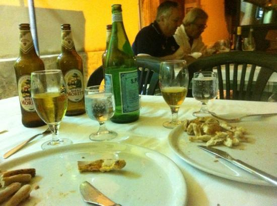 Pizzeria La Pecora Nera: pizza and beer