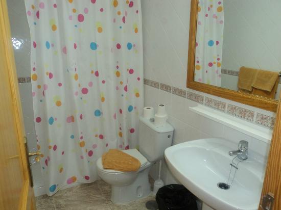 Apartamentos Sandra: Bathroom