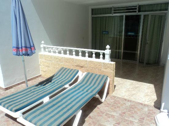 Apartamentos Sandra: Balcony / Terrace