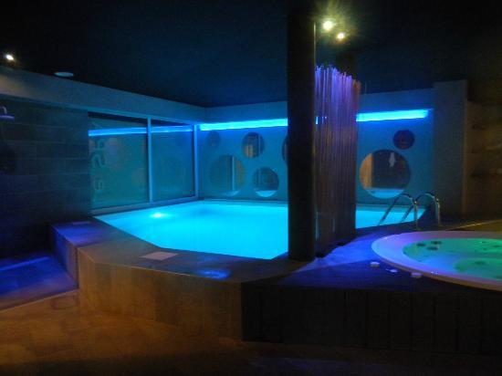 Best Western Lafayette Hotel & Spa: piscine et jacuzzi
