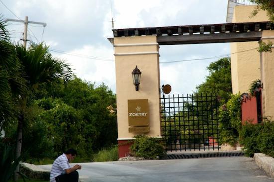 Zoetry Paraiso de la Bonita: Entry