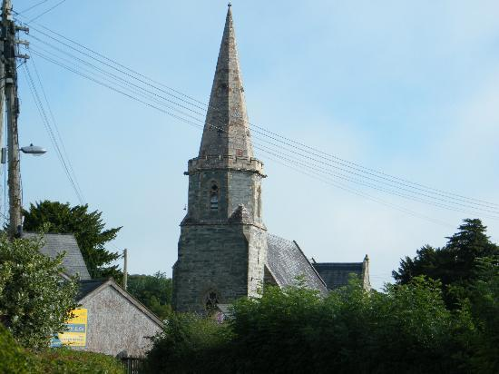Y Llwyn Guest House: LLandrillo church from outside the guest house