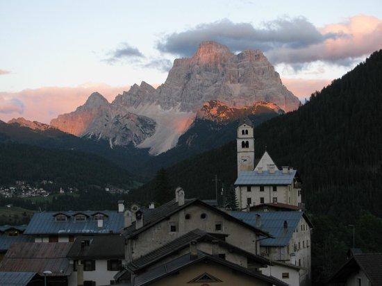 Selva di Cadore, إيطاليا: Sua maestà il Pelmo visto da Colle S.Lucia 