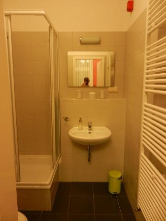 The Circus Hostel: Bagno privato