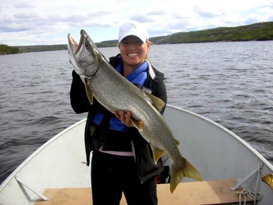 Yellow Dog Lodge: Activites - fishing only 300 metres from lodge deck