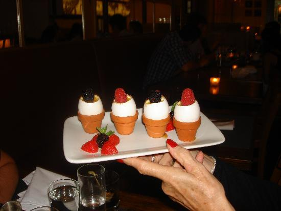 Highpoint Bistro & Bar: Creme Brulee....to die for!