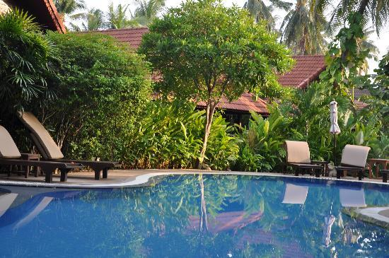 Smile House Resort: Small pool