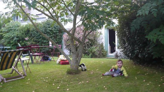 Hotel Aux Tamaris: la chambre familiale vue de l'extérieur