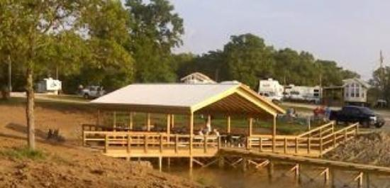 Oak Ridge Marina Motel & Restaurant: Waterfront Pavilion available for group parties
