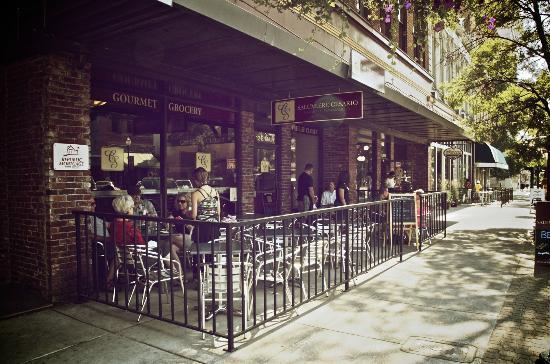 Walla Walla Gourmet: Huge outdoor patio