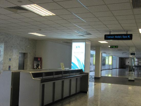 Serenediva Colombo Transit: Take the lift to level 2