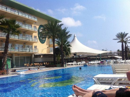 Caprici Verd : Hotel pool