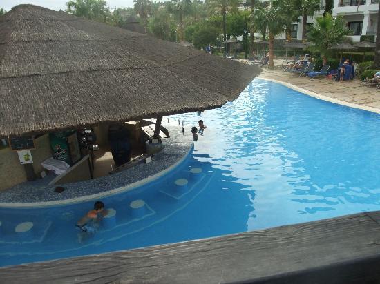 Hotel SH Villa Gadea: PISCINA Y OASIS