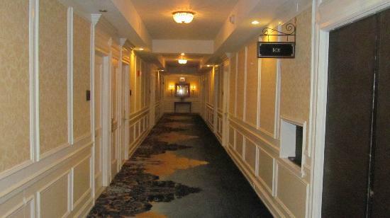 The Drake Hotel: Corridor