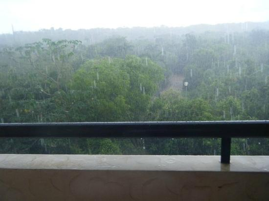 Grand Palladium Kantenah Resort & Spa: when it rains it pours