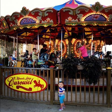 Miracle Strip Amusement Park : the beautiful carousel!