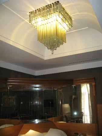 Isa Hotel: Room
