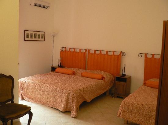 Roma Trasteverina B&B: Triple room 