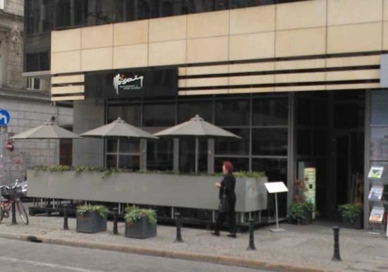 Mosaiq Restaurant & Wine Lounge Exterior