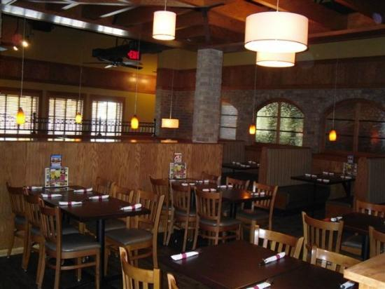 Ground Round Grill & Bar - Neenah: Dining Room Tables