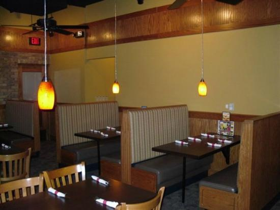 Dining Room Booths Picture Of Ground Round Grill Bar Neenah