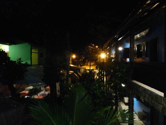 Pousada dos Meros: Pousada parte superior a noite