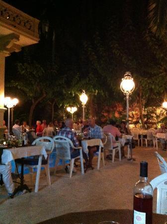 Restaurant El Xalet: El Xalet le soir