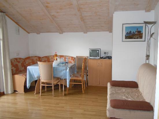 Residence-Pension Gasser : Sala da pranzo dell'appartamento
