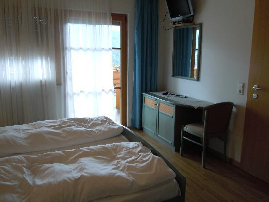Residence-Pension Gasser : Camera da letto dell'appartamento