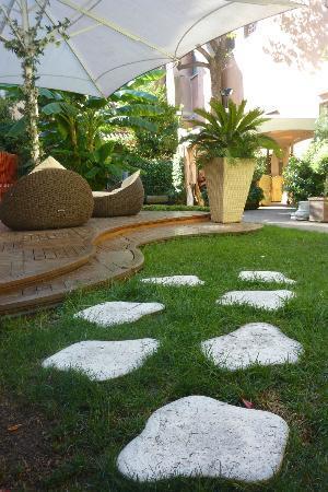 Abbazia Deluxe : jardin
