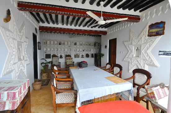 Shela Bahari Guest House: salottino