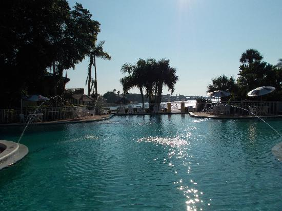 Magnuson Hotel Marina Cove: A spacious pool overlooking the gulf bay is an appealing touch.