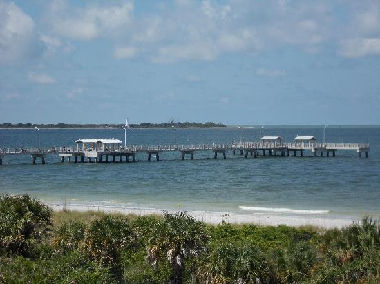 Magnuson Hotel Marina Cove: From Fort De Soto on Mullet Key you can view the lighthouse on Egmont Key.