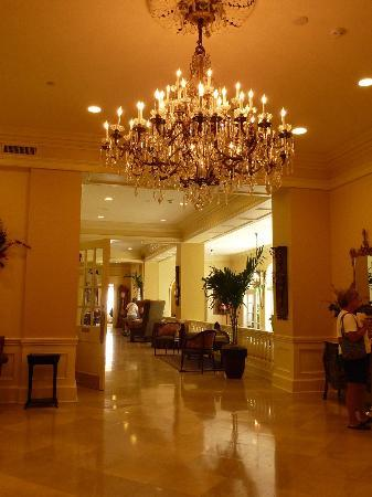 The Mills House Wyndham Grand Hotel: Lobby