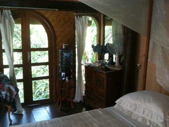 Shankari's Bali Retreat : ganesha