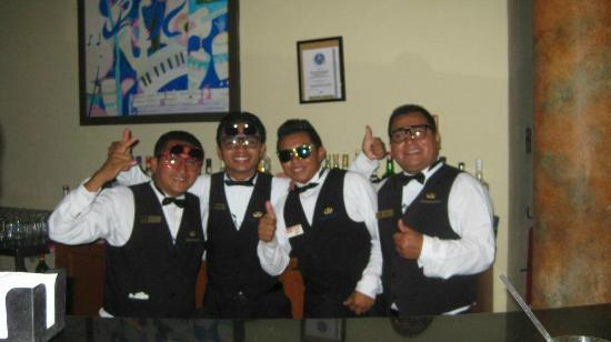 Grand Palladium Kantenah Resort & Spa: The guys wearing our glasses