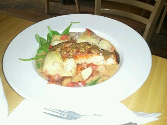 Five Loaves Cafe: Salmon dish