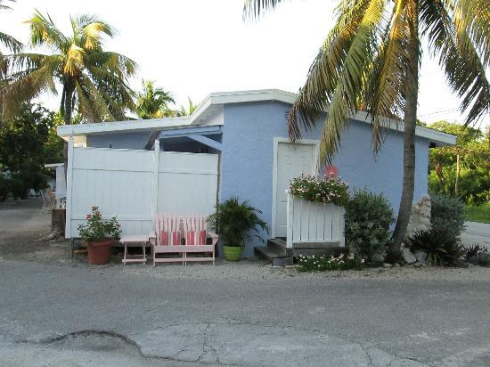 Tropical Cottages: Cottage 11, Key West Suite