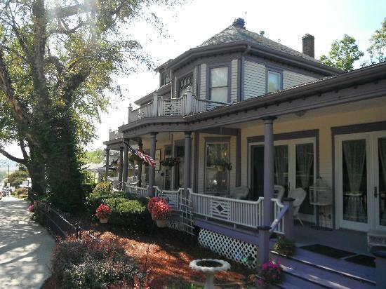 Benner House Bed and Breakfast: Exterior
