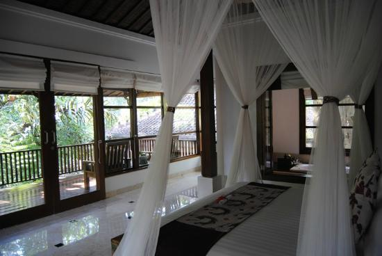 Alam Ubud Culture Villas & Residences: bed