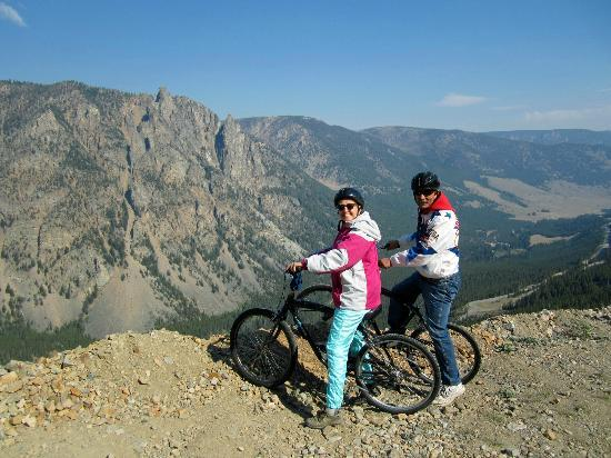 Gallagher's Irish Rose B&B: Bike Tour along the Beartooth Highway