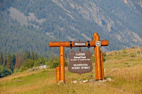 Gallagher's Irish Rose B&B: Beartooth Highway begins in Red Lodge Montana