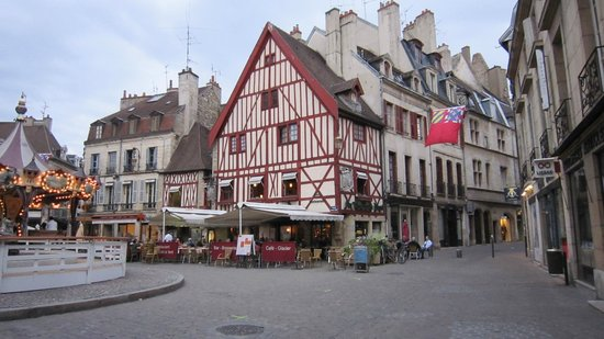 the 10 best restaurants near rue des forges tripadvisor. Black Bedroom Furniture Sets. Home Design Ideas