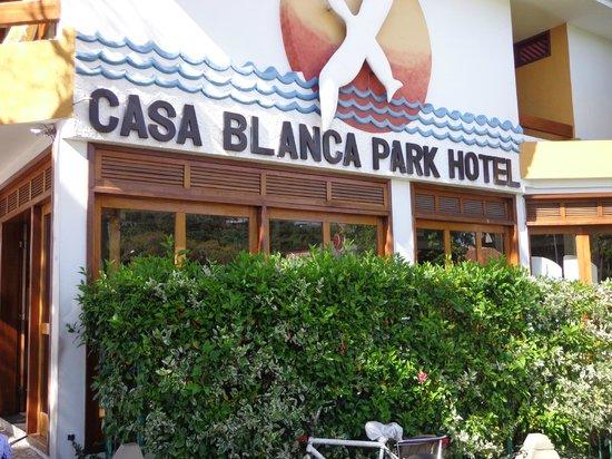 Casa Blanca Park Hotel: Frente do Hotel
